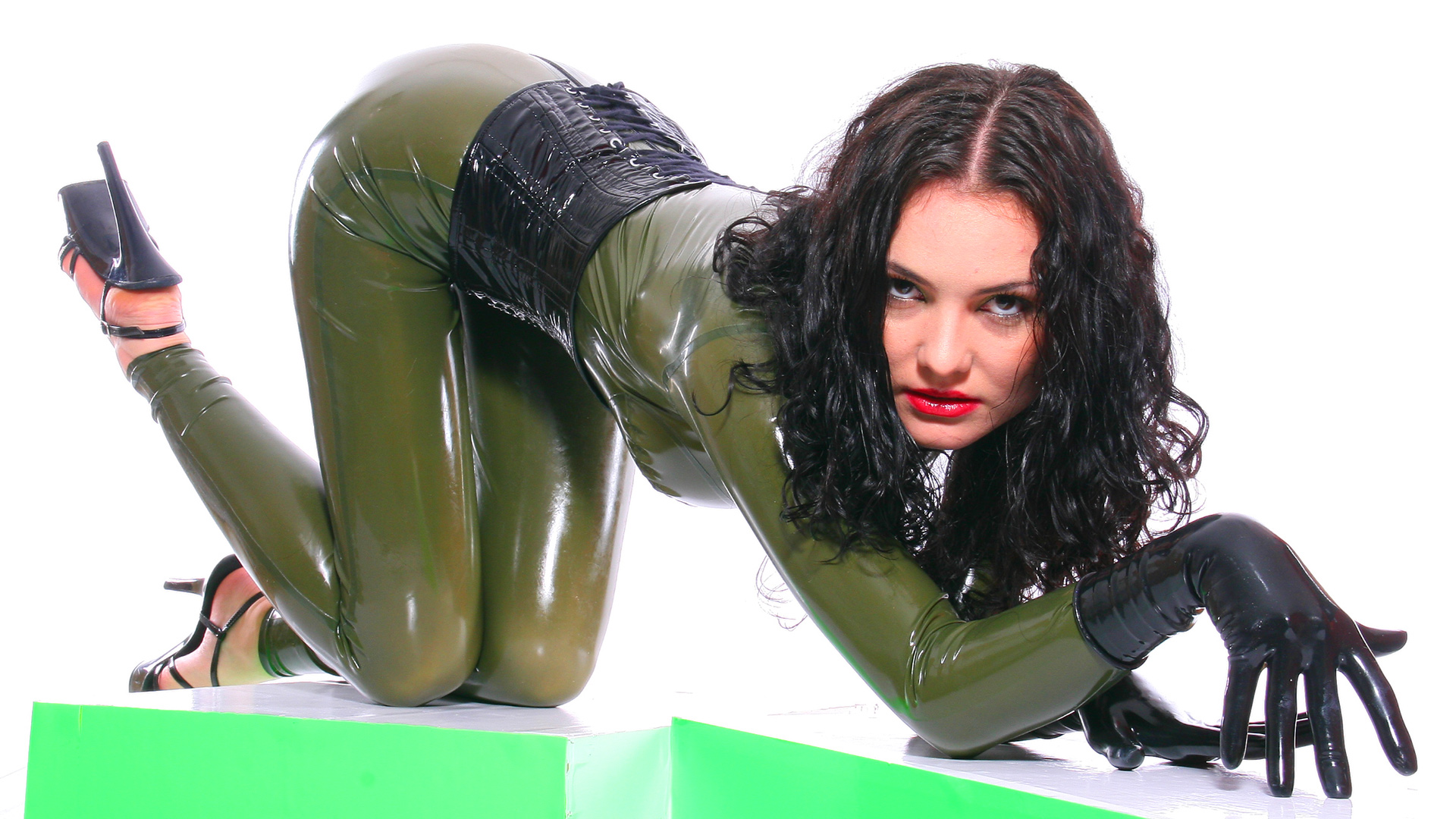 Full body latex nude models opinion